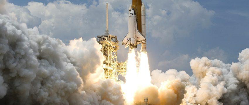 Raket van WikiImages via Pixabay